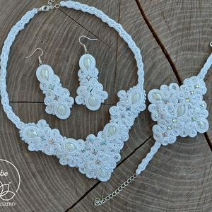 Fehér Orchidea Menyasszonyi , esküvői hófehér gyöngy sujtás ékszerszett : nyaklánc fülbevaló karkötő , Esküvő, Esküvői szett, Gyöngyfűzés, gyöngyhímzés, Varrás, Azonnali készletről vihető termék.\n\nEgy igazán különleges, egyedi tervezésű kizárólag kézi varrással..., Meska