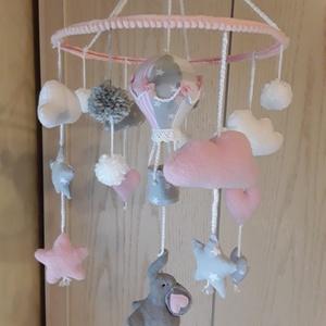 Hőlégballonos-elefántos baba forgó,mobil,dekoráció, Játék & Gyerek, 3 éves kor alattiaknak, Kiságyforgó, Varrás, 28cm alapra készítettem ezt a kis elefántos forgót. Az ėlénk színek felkeltik a babåk ėrdeklődėsét. ..., Meska