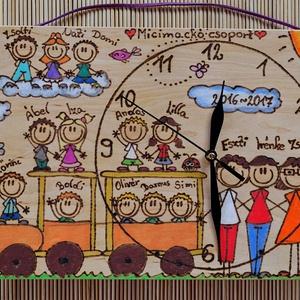 Személyre szabható óra ballagásra - INGYENES SZÁLLÍTÁSSAL!, Lakberendezés, Otthon & lakás, Falióra, óra, Falikép, Ballagás, Ünnepi dekoráció, Dekoráció, Famegmunkálás, Festészet, Írd meg az osztályba, csoportba járó gyerekek főbb tulajdonságait(hajhossz,hajszín...) és mi elkészí..., Meska