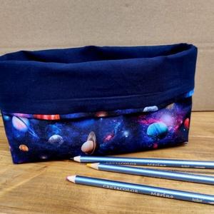 Textil asztali ceruzatartó, bolygók, Táska & Tok, Varrás, Íróasztalra ajánlom ezt a textilből készült ceruzatartót.  Méretét a ceruzák méretéhez igazítottam.\n..., Meska
