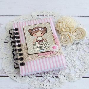 PRETTY PINK napló, csíkos, Jegyzetfüzet & Napló, Papír írószer, Otthon & Lakás, Könyvkötés, PRETTY PINK - egy kollekció a legkisebbeknek!\nBájos kislány motívumos napló, emlékkönyv vagy jegyzet..., Meska