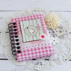 PRETTY PINK napló, kockás, Otthon & Lakás, Jegyzetfüzet & Napló, Papír írószer, PRETTY PINK - egy kollekció a legkisebbeknek! Bájos madárka motívumos napló, emlékkönyv vagy jegyzet..., Meska