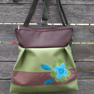 Zöld-barna 3in1 hátizsák rendelhető, Táska & Tok, Hátizsák, Hátizsák, Varrás, Textilbőr többfunkciós táska. 30 cm széles felül, 35 cm magas. Cipzáras. Belül van egy 2 részre oszt..., Meska