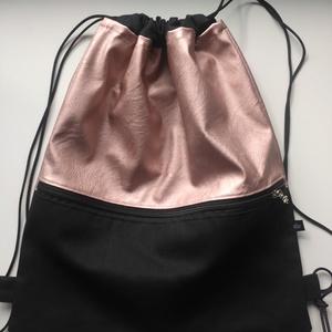 Lazac fekete hátizsák, Táska, Divat & Szépség, Táska, Hátizsák, Varrás, Lazac színű (kígyóbőrmintás minimálisan) textilbőr és vászon anyagból készítettem. Belül bélelt, kív..., Meska