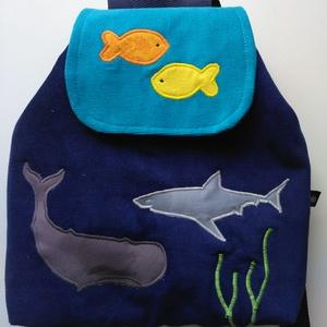 Tenger, cápa, hal mintás gyerekhátizsák, Táska & Tok, Hátizsák, Hátizsák, Kordbársony gyerekhátizsák, 30 cm magas. 2-5 éves gyerekeknek ajánlom ezt a méretet. Fedlapja mágnes..., Meska