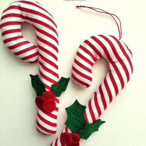 Cukorpálca karácsonyfadísz bogyós 2 db, Karácsony & Mikulás, Karácsonyfadísz, 14 cm magas textildísz. Cukorpálca alakú, puha vatelinnel töltött pamutvászon. Kicsik kezébe is lehe..., Meska