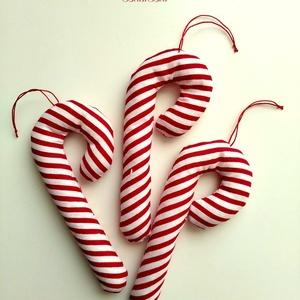 Cukorpálca karácsonyfadísz 3 db, Otthon & Lakás, Karácsony & Mikulás, Karácsonyfadísz, Varrás, 14 cm magas textildísz. Cukorpálca alakú, puha vatelinnel töltött pamutvászon. Kicsik kezébe is lehe..., Meska
