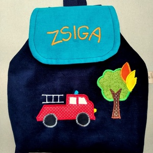Tűzoltós hátizsák, Táska & Tok, Hátizsák, Hátizsák, Varrás, Kordbársony gyerekhátizsák, 30 cm magas. 2-5 éves gyerekeknek ajánlom ezt a méretet. Fedlapja mágnes..., Meska