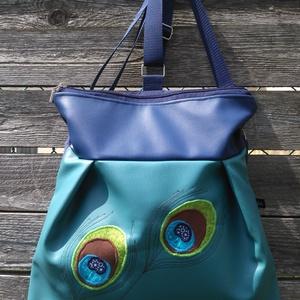 Pávaszem pávatoll hátizsák 3in1 táska , Táska & Tok, Variálható táska, Textilbőr táska.  Türkizzöld és királykék színben. 30 cm széles felül, 35 cm magas. Cipzáras. Bélése..., Meska