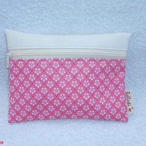Pink virág mintás pénztárca - fehér, Gyerek & játék, Táska, Táska, Divat & Szépség, Pénztárca, tok, tárca, Magyar motívumokkal, Varrás, Pink színű virág mintás pamutvászont kombináltam minőségi textilbőrrel, elején cipzárral. \nApró- és ..., Meska