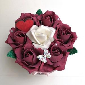 Rózsabox bordó, fehér virágokkal, Otthon & Lakás, Csokor & Virágdísz, Dekoráció, Virágkötés, Meska