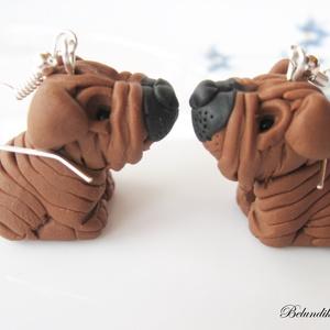 Shar-pei kutyusok-fülbevaló, Lógós fülbevaló, Fülbevaló, Ékszer, Gyurma, Kicsi Shar-pei kutyusokat készítettem.\nNikkelmentes fülbevaló alapra szereltem.\nKérheted medálként i..., Meska