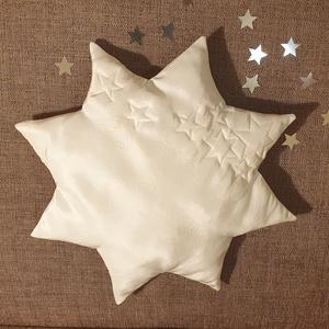 Selyem csillagpárna, bébi párna, keresztelőpárna, fehér csillag formájú párna, alkalmi párna, Játék & Gyerek, Babalátogató ajándékcsomag, Csillag formájú párna karácsonyra, keresztelőre, babaszobába, dísznek vagy mindennapi használatra. A..., Meska