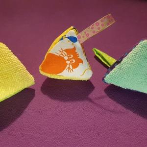 Gyereknapra 3D mikroszálas mobiltörlő, textil mintás mobiltörlő, mikroszálas szemüvegtörlő, mikroszálas tarka kütyü - Meska.hu