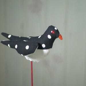 Sokoldalú tavaszi madárka, színes madár, textil madár, madár alakú illatpárna, textil dekoráció anyák napjára - Meska.hu