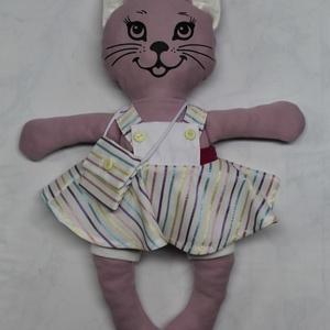 Nyafi -öltöztethető cica baba kantáros ruha szettel együtt, Játék & Gyerek, Baba & babaház, Öltöztethető baba, 45 cm-es öltöztethető textil cica baba kantáros ruha szettel együtt. Cica baba anyaga: 70% pamut-30%..., Meska