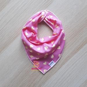 Rózsaszín-sárga szíves nyálkendő/ babakendő, Előke & Nyálkendő, Babaruha & Gyerekruha, Ruha & Divat, Varrás, Baba-Mama kiváló hasznát veheti, ha a Babád fogacskái bújni kezdenek.\n\nHasználhatod csak előkeként, ..., Meska