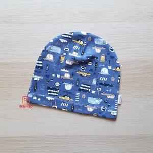 Kék autós beanie sapka, Ruha & Divat, Babaruha & Gyerekruha, Babasapka, Varrás, Vagány beanie sapka egyrétegű anyagból.\nKellemes viselet átmeneti öltözékként tavasszal illetve őssz..., Meska