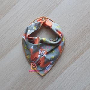 Szürke-narancs rókás nyálkendő/babakendő, Ruha & Divat, Előke & Nyálkendő, Babaruha & Gyerekruha, Háromszög, alakú pamut kendő, patenttal végződik.   Akár előkének, akár nyálkendőnek, vagy csak simá..., Meska