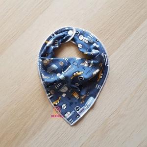 Kék kisautós nyálkendő/babakendő, Ruha & Divat, Babaruha & Gyerekruha, Előke & Nyálkendő, Baba-Mama kiváló hasznát veheti, ha a Babád fogacskái bújni kezdenek.  Használható előkeként, vagy a..., Meska