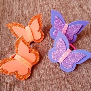 Lila-narancs pillangós hajgumi szett, Ékszer, Gyerek & játék, Baba-mama kellék, Mindenmás, Pillangós hajgumi szettet kínálok. Összesen 4 darab van egy szettben. Dekorgumiból készültek. A deko..., Meska
