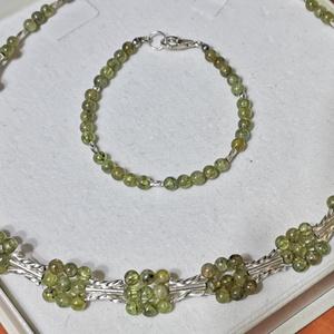 AKCIÓ Peridot szett, Ékszer, Ékszerszett, Ékszerkészítés, Valódi peridotból (olivin) készült nyakpánt és karkötő .\nAkár alkalomra, akár a mindennapokra egyará..., Meska
