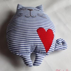 tengerész cica -párna, Lakberendezés, Otthon & lakás, Lakástextil, Párna, Gyerek & játék, Gyerekszoba, Varrás, Kedves, pihe-puha játszó és alvótárs.\nKényelmes kialakítás kisgyermekek részére.\n\nSzívesen elkészíte..., Meska