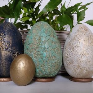 dekoráció betonból, Otthon & Lakás, Dekoráció, Asztaldísz, Mindenmás, Festett tárgyak, Óriási 1kg tojások tömör betonból. Egész évben a lakás dísze lehet.\nA díszítés csipke, absztrakt ill..., Meska