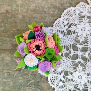 Filc virágcsokor többféle szín, kaspóban (bevi555) - Meska.hu