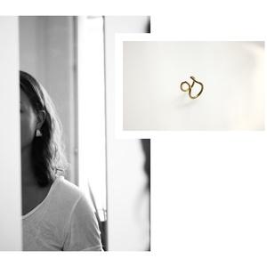 sárgaréz fülgyűrű, Ékszer, Fülbevaló, Fülgyűrű, Ékszerkészítés, Ötvös, sárgaréz fülgyűrű\n\ncopper earcuff\n\nméret: kb. 1 cm átmérőjű, Meska