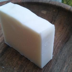 Fehér agyagos vegán szappan normál/száraz bőrre (Bhumi) - Meska.hu