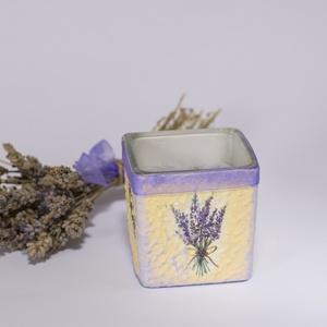Levendulás illatos dekor gyertya üvegben, Gyertya & Gyertyatartó, Dekoráció, Otthon & Lakás, Decoupage, transzfer és szalvétatechnika, Levendulás illatos dekor gyertya üvegben\n\nLevendula imádóknak kihagyhatatlan! Egyedileg feliratozhat..., Meska
