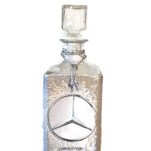 Mercedes  rajongóknak egyedi különleges formájú whiskys üveg ezüst házavatóra, tejfakasztó bulira, szülinapra, névnapra., Üveg & Kancsó, Konyhafelszerelés, Otthon & Lakás, Decoupage, transzfer és szalvétatechnika, Mercedes rajongóknak egyedi különleges formájú whiskys üveg ezüst szinezéssel  névnapra, szülinapra,..., Meska
