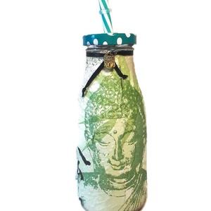Buddha üveg üdítős, vizes szívószálas pohár Buddha fém függővel spirituális ajándék  , Egyéb, Vallási tárgyak, Konyhafelszerelés, Otthon & lakás, Bögre, csésze, Decoupage, transzfer és szalvétatechnika, Buddha üveg üdítős, vizes szívószálas pohár Buddha fém függővel spirituális ajándék. \n\nAnyaga: üveg\n..., Meska