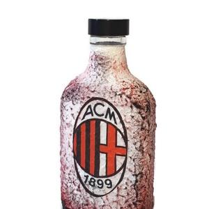 Ac Milan futball rajongói dísz- és használati lapos üveg, flaska - ajándék férfiaknak, férjeknek, barátoknak., Konyhafelszerelés, Otthon & lakás, Férfiaknak, Sör, bor, pálinka, Decoupage, transzfer és szalvétatechnika, Ac Milan futball rajongói dísz-és használati lapos üveg, flaska ajándék férfiaknak, férjeknek, barát..., Meska