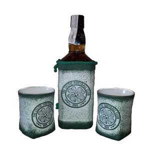 Kelta focicsapat emblémájával és fotoval dekorált whiskys üveg whiskys poharakkal rajongói ajándék. , Pohár, Konyhafelszerelés, Otthon & Lakás, Decoupage, transzfer és szalvétatechnika, Kelta focicsapat emlémájával és fotoval dekorált whiskys üveg whiskys poharakkal futball  rajongói a..., Meska