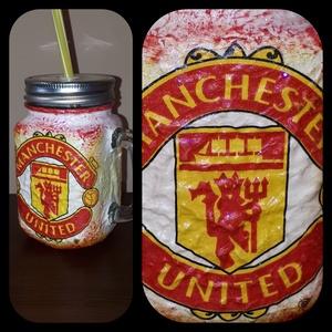 Manchester United foci rajongói sörös korsó vagy szívószálas üveg kettő az egyben, Díszüveg, Dekoráció, Otthon & Lakás, Decoupage, transzfer és szalvétatechnika, Manchester United  foci rajongói sörös korsó vagy szívószálas üveg kettő az egyben\n\nFoci rajongó a c..., Meska