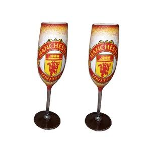 Manchester United  pezsgős 2 db-os pohárszett foci rajongói ajándékl, Díszüveg, Dekoráció, Otthon & Lakás, Decoupage, transzfer és szalvétatechnika, Manchester United pezsgős 2 db-os pohárszet foci rajongói ajándék.\n\nFoci rajongó család kötelező kon..., Meska