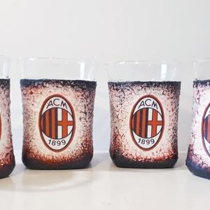 AC Milan foci rajongói whiskys  és /vagy vizes pohárszett 4db-os , Férfiaknak, Focirajongóknak, Konyhafelszerelés, Otthon & lakás, Bögre, csésze, Decoupage, transzfer és szalvétatechnika, AC Milan foci rajongói vizes pohárszett és / vagy whiskys pohárszett 4db-os. \n\nFoci rajongó a család..., Meska
