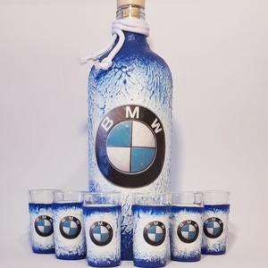 Bmw rajongói ajándék - italos dísz- és használati hengeres üveg röviditalos poharakkal. , Otthon & lakás, Férfiaknak, Sör, bor, pálinka, Legénylakás, Decoupage, transzfer és szalvétatechnika, Bmw rajongói ajándék - italos dísz- és használati hengeres üveg röviditalos poharakkal. \n\nŰrtartalma..., Meska