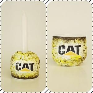 Cat tojástartó és gyertyatartó 2 az 1-ben húsvétra - Caterpillar rajongói ajándék, Gyertya & Gyertyatartó, Dekoráció, Otthon & Lakás, Decoupage, transzfer és szalvétatechnika, Cat tojástartó és gyertyatartó 2 az 1-ben húsvétra - Caterpillar rajongói ajándék.\n\nAnyaga: kerámia...., Meska