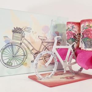 Rózsás röviditalos pohárka biciklis ital tartóban bringás díszdobzzal, asztaldísz ajándékötlet bicikli fanoknak (Biborvarazs) - Meska.hu
