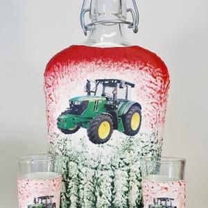 John Deere traktor csatos üveg röviditalos poharakkal traktort kedvelőknek szülinapra, névnapra, Otthon & Lakás, Pohár, Konyhafelszerelés, Decoupage, transzfer és szalvétatechnika, Meska