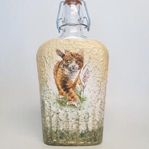 Cicás lapos csatos üveg állatbarátoknak, macska kedvelőknek., Otthon & Lakás, Üveg & Kancsó, Konyhafelszerelés, Cicás  lapos csatos üveg állatbarátoknak, macska kedvelőknek.  (500 ml)  A képen lévő cica némileg e..., Meska