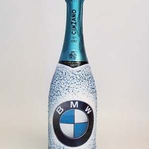 Bmw emblémával dekorált Asti Cinzano pezsgő autó rajnogói ajándék , Otthon & lakás, Konyhafelszerelés, Férfiaknak, Sör, bor, pálinka, Decoupage, transzfer és szalvétatechnika, Bmw emblémával dekorált Asti Cinzano  pezsgő autó rajnogói ajándék. \n\nPezsgő kedvelőknek kötelező ke..., Meska