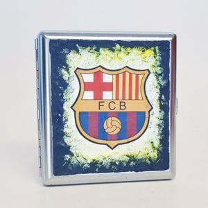 FC Barcelona sötétben fluoreszkáló fém cigaretta tárca, cigi tartó futball rajongói ajándék férfiaknak, férjeknek., Cigarettatárca, Pénztárca & Más tok, Táska & Tok, Decoupage, transzfer és szalvétatechnika, FC Barcelona sötétben fluoreszkáló fém cigaretta tárca, cigi tartó futball rajongói ajándék férfiakn..., Meska