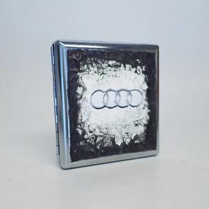 Audi ém sötétben fluoreszkáló cigaretta tárca, cigi tartó ajándék cigarettázoknak, férfiaknak, férjeknek, barátoknak!, Cigarettatárca, Pénztárca & Más tok, Táska & Tok, Decoupage, transzfer és szalvétatechnika, Audi fém sötétben fluoreszkáló cigaretta tárca, cigi tartó Audi rajongóknak, ajándék cigarettázóknak..., Meska