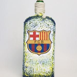 Fc Barcelona foci rajongói ajándék - italos dísz- és használati lapos üveg. , Otthon & Lakás, Díszüveg, Dekoráció, Fc Barcelona foci rajongói ajándék - italos dísz- és használati lapos  üveg.   Űrtartalma: 750- 1000..., Meska