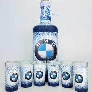 Bmw rajongói ajándék - italos dísz- és használati szögletes üveg röviditalos poharakkal. , Otthon & lakás, Konyhafelszerelés, Férfiaknak, Sör, bor, pálinka, Legénylakás, Decoupage, transzfer és szalvétatechnika, Bmw rajongói ajándék - italos dísz- és használati szögletes üveg röviditalos poharakkal. \n\nŰrtartalm..., Meska