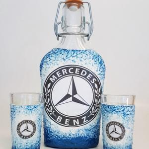 Mercedes csatos dísz- és használati italos üveg röviditalos poharakkal merci rajongói ajándék
